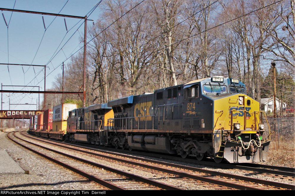 CSX 874 leads Q158